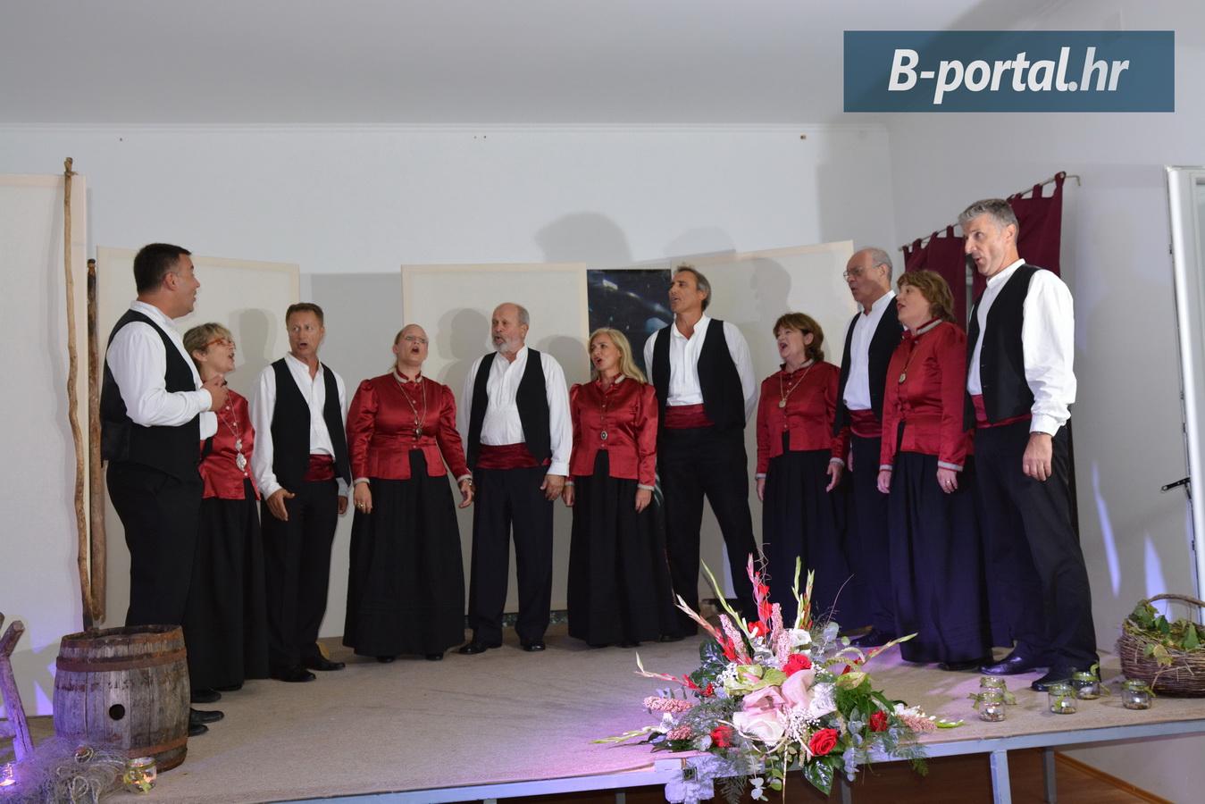 otocni-susret-klapa-tkon-2016-9